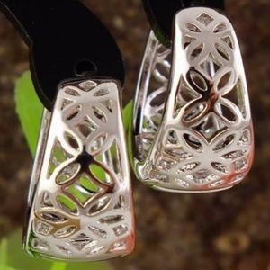 Jewelry - CUTE SILVER FILIGREE HUGGIE HOOP EARRINGS